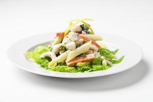 Lun pastasalat med torsk